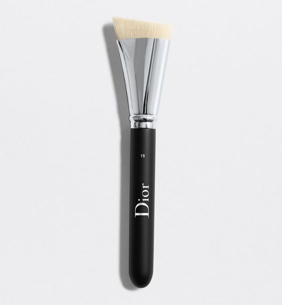 3348901379212_01--shelf-dior--backstage-contour-brush-n-15-dior-backstage-contour-brush-n-15