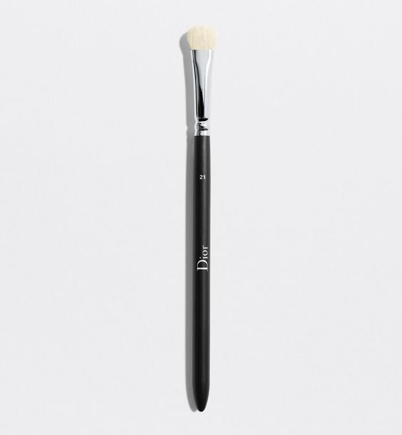 3348901379243_01--shelf-dior--backstage-eyeshadow-shader-brush-n-21-eyeshadow-shader-brush-n-21