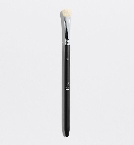 3348901379243_01--shelf-dior--backstage-eyeshadow-shader-brush-n-21-eyeshadow-shader-brush-n-21