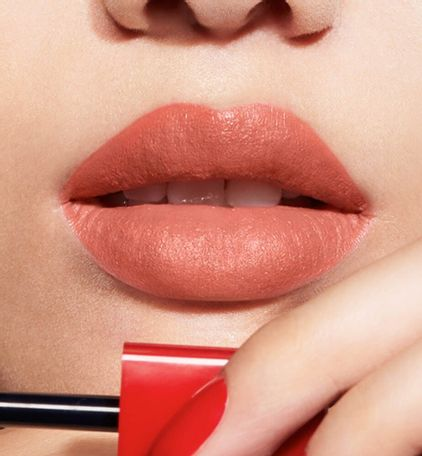3348901472944_04--thumb01-dior-rouge--ultra-care-liquid-flower-oil-liquid-lipstick-ultra-weightless-wea