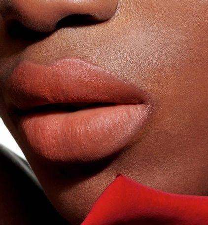 3348901472944_06--thumb02-dior-rouge--ultra-care-liquid-flower-oil-liquid-lipstick-ultra-weightless-wea