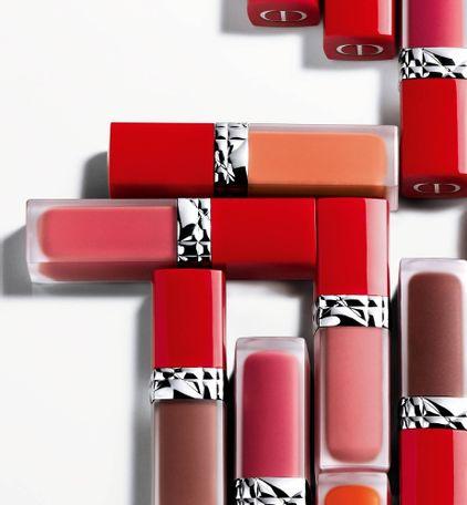 3348901472944_08--thumb03-dior-rouge--ultra-care-liquid-flower-oil-liquid-lipstick-ultra-weightless-wea