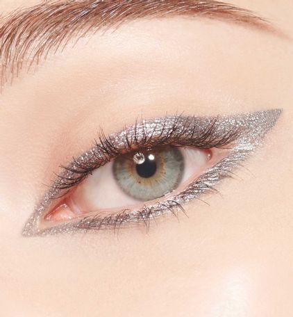 3348901501088_04--thumb01-dior-show-24-h-stylo-waterproof-eyeliner-24-h-wear-intense-color-glide-instru
