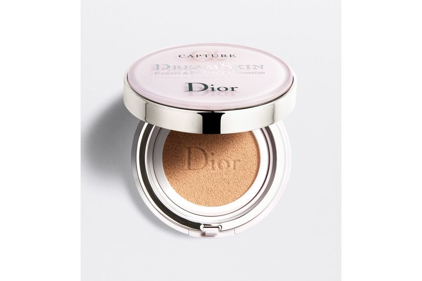3348901410090_01--shelf-dior-capture-dreamskin-cushion-foundation-deamskin-fresh-perfect-cushion-spf-50