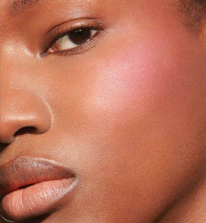 3348901491136_06--thumb02-dior--backstage-rosy-glow-blush-color-awakening-universal-blush-natural-healt