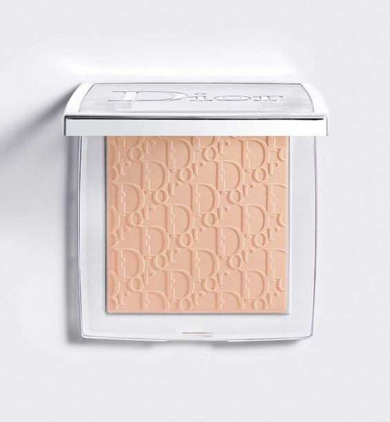 3348901500692_01--shelf-dior--backstage-face-body-powder-no-powder-perfecting-translucent-powder-blurri