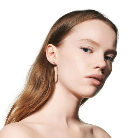 3348901419390_06--thumb02-dior--backstage-face-body-foundation-face-and-body-foundation